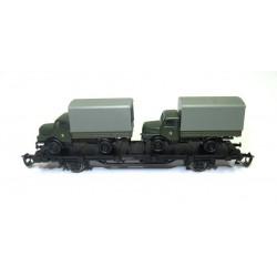 Flachwagen mit 2 LKW H3A NVA